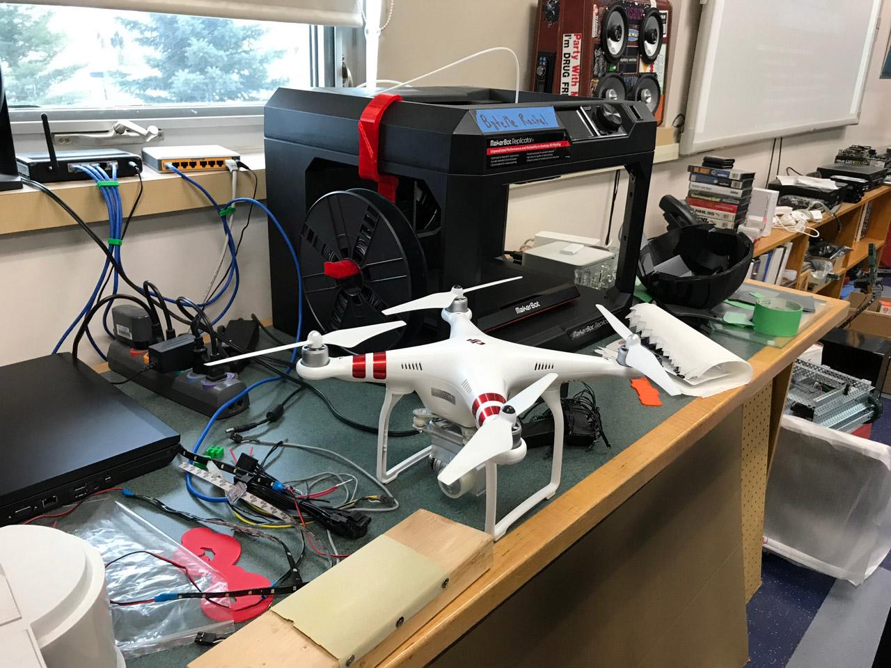 Dron en un colegio en Canadá